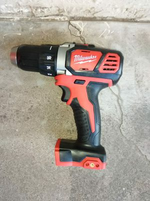 DRILL MILWAUKEE BATTERY NOT INCLUDED for Sale in Phoenix, AZ