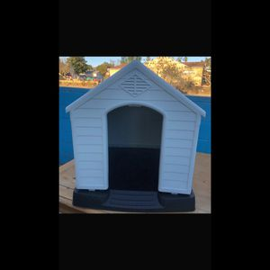 Dog House for Sale in Burbank, CA