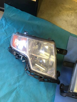 2008 Ford Edge headlights $50 for Sale in Overland, MO