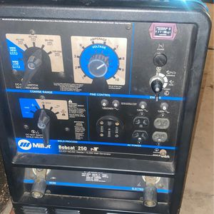 Miller 250 Bobcat 250 My Weldding Machine And Generator In Very Good Condition For 6,000 for Sale in Huntington Park, CA