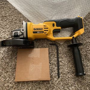 DEWALT 20v MAX Cordless 4-1/2 in. to 5 in. Grinder (Tool Only) New for Sale in San Diego, CA