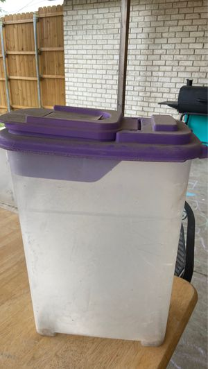 Dog food container. for Sale in Grand Prairie, TX
