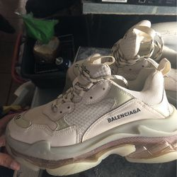 balenciagas size 9 for Sale in Davenport,  FL