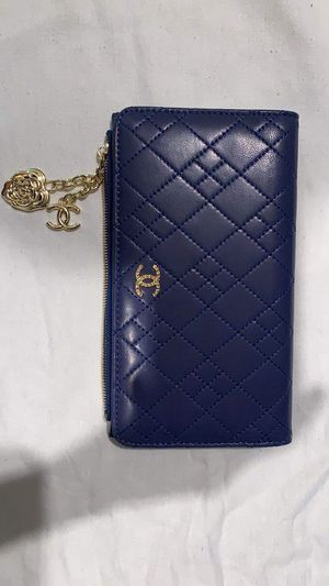 Chanel Classic Long Zip Wallet for Sale in Marina del Rey, CA