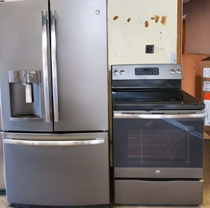 GE REFRIGERATOR AND GLASS STOVE for Sale in Gallatin, TN