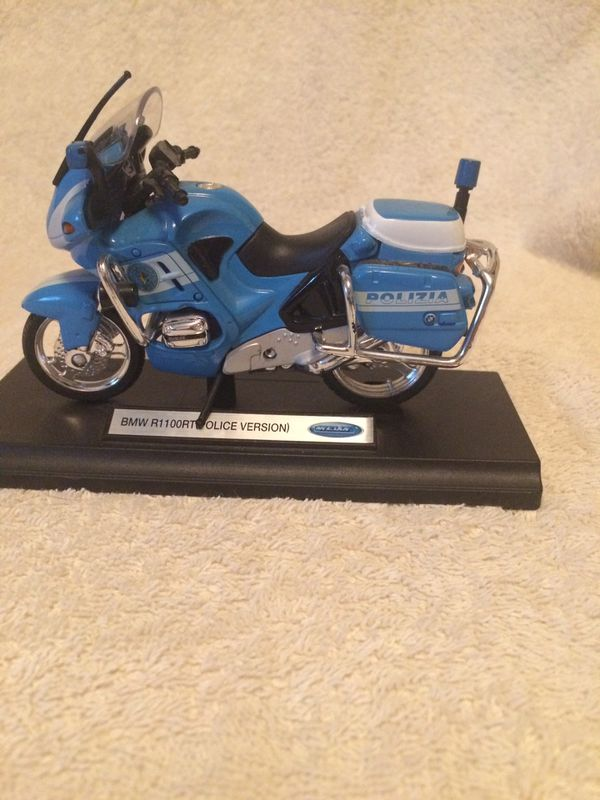 WELLY 1:18 BMW R1100 RT Italy Police Motorcycle Diecast Model