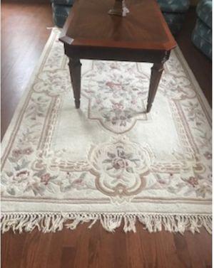 beautiful 7x5 rug for Sale in Redmond, WA
