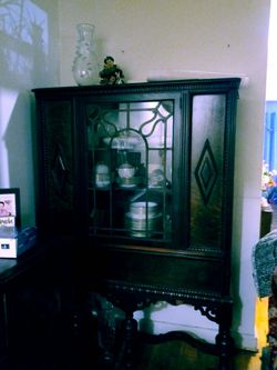 Antique armoire in great condition. for Sale in Queens,  NY