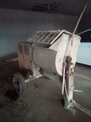 Stucco mixer with Honda motor for Sale in Fresno, CA
