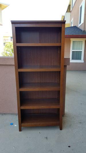 Free bookcase for Sale in Oakland, CA