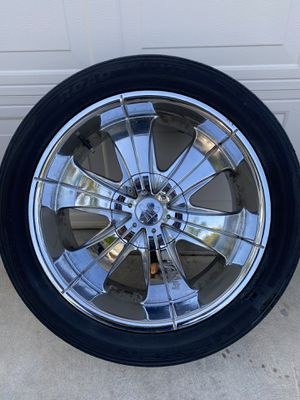 Velocity wheels and tires 6x5.5 need gone for Sale in Reedley, CA