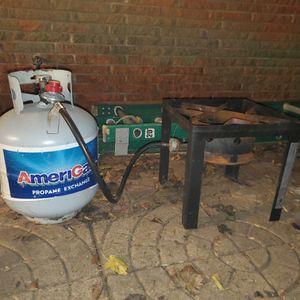 Outdoor Gourmet Deluxe Fryer Stand w/ Propane Tank for Sale in Houston, TX