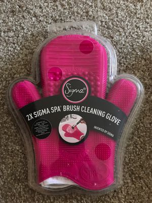 MAKEUP BRUSH CLEANING TOOLS/SHAMPOO for Sale in Portland, OR