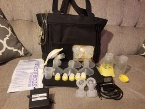 Medela Pump In Style Advanced double breast pump with tote for Sale in Las Vegas, NV