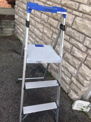 6 foot aluminum ladder excellent shape for Sale in Waterford Township, MI