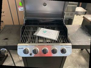 Charbroil 463347519 propane grill 💨💨💨 65 for Sale in Westminster, CA