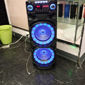 Brand New 9000 Watt Speaker Has Bluetooth Fm Am Great Sound Base Very Very Loud And Only For 200 Bucks Brand New Speaker In The Box for Sale in Phoenix, AZ
