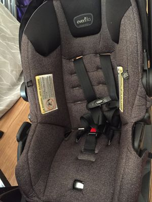 EVENFLO INFANT CAR SEAT WITH BASE for Sale in Cranston, RI