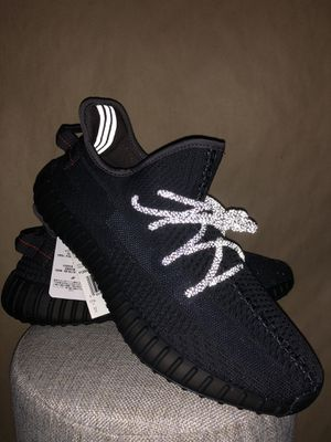 Yeezy 350 V2 Black Non Reflective for Sale in Chicago, IL