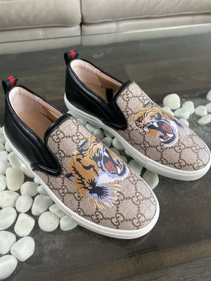 Gucci shoes tiger for Sale in Tampa, FL