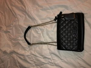 Guess Bag for Sale in Brooklyn, NY