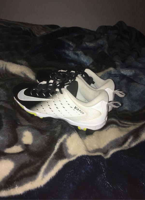 Nike football cleats size 8.5