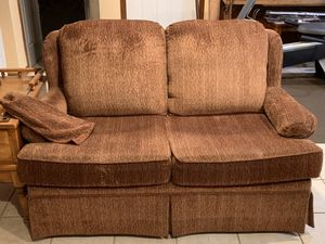 Flex steel love seat for Sale in Trimble, MO