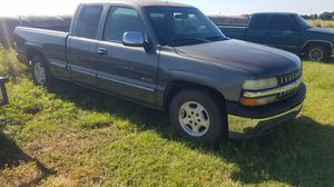 Parting out a 99-02 Chevrolet Silverado. for Sale in Grandfield, OK