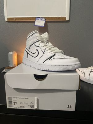 Jordan 1 Iridescent Size 7.5W for Sale in Houston, TX