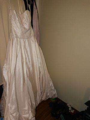Pink wedding dress for Sale in Kansas City, KS