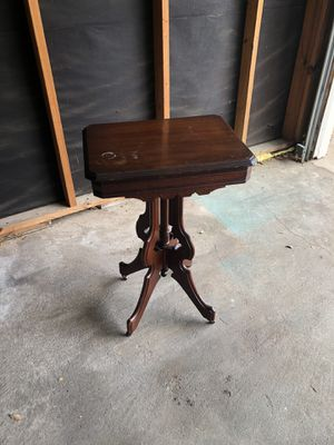 Wooden end table for Sale in Austin, TX