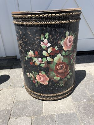 Vintage shabby chic trash can for Sale in Arroyo Grande, CA