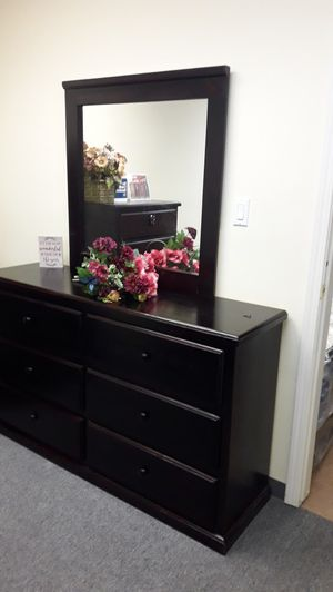 6 drawer dresser pinewood cherry with mirror for Sale in Santa Monica, CA