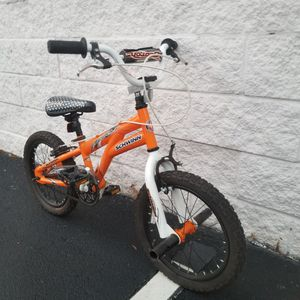 Schwinn scorch kids bad lil bike for Sale in Atlanta, GA