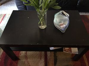 Center table wood/coffee table dark brown coloured for Sale in Columbus, OH