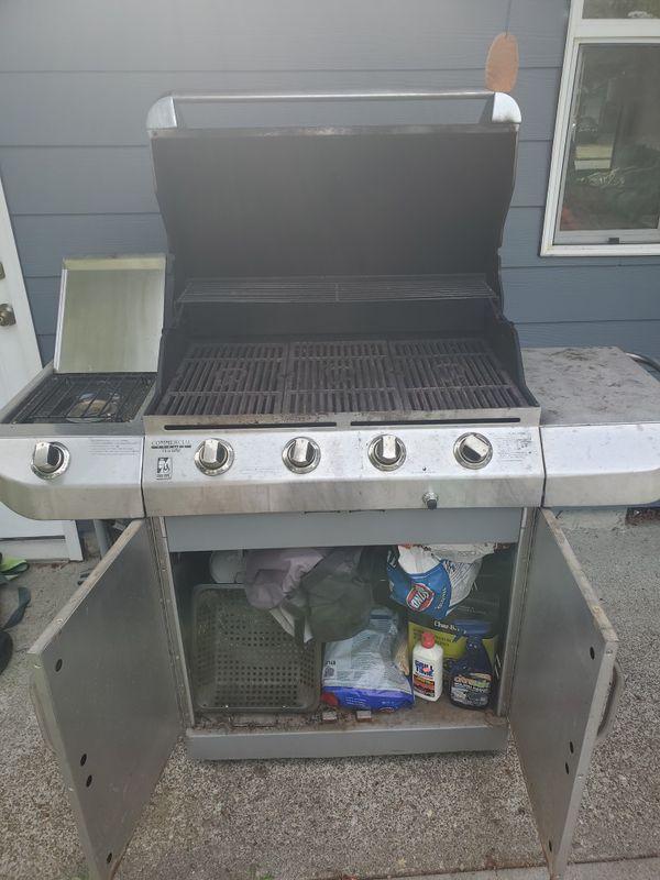 Propane grill