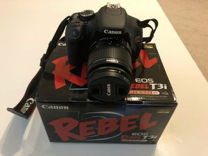 CANON T3I BUNDLE LIKE NEW! for Sale in Madison Heights, MI