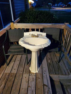 Pedestal sink for Sale in Hampton, VA