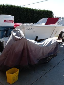 Its a19/footdeep\v With a55horsebearcat 4 Stroke Motor Needs Lettic. Work Real Good Motor for Sale in Redondo Beach,  CA