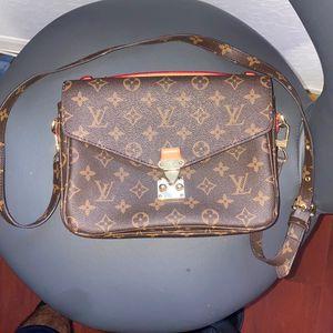 Louis Vuitton Purse (Authentic) $1500 for Sale in Miami, FL
