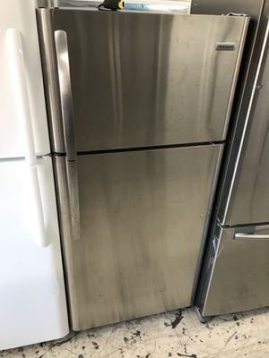 New Frigidaire 18 Cu.Ft stainless steel top freezer We deliver for Sale in Los Angeles, CA