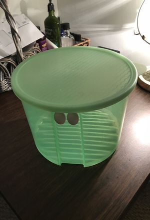 Tupperware storage bowl for Sale in Greenville, SC