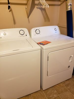 Washer & Dryer for Sale in Clackamas, OR