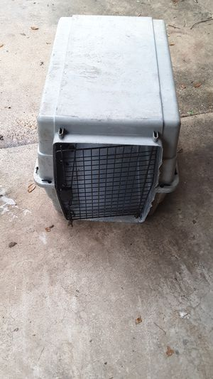Kennels igloo and cage smaller dog for igloo large dog cage for Sale in Alexandria, LA