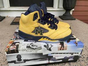 Nike Air Jordan 5s Michigan size 10.5 for Sale in Windsor, CT