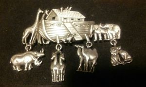 """JJ"""" Jonette Jewelry Silver Pewter 'NOAH'S ARK ~ Animal Charms' Pin for Sale in Salinas, CA"""