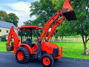 2006 Kubota L39 Tractor w/ Loader & Backhoe for Sale in Philadelphia, PA