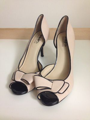 Size 9 heels Coach and Four for Sale in Rancho Santa Margarita, CA