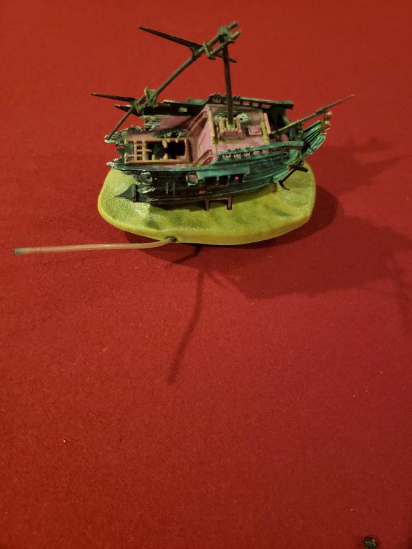 Aquarium motion Decor W6x5.5H