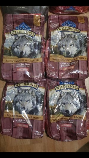 Wilderness dog food small bags small breed for Sale in Huntington Park, CA